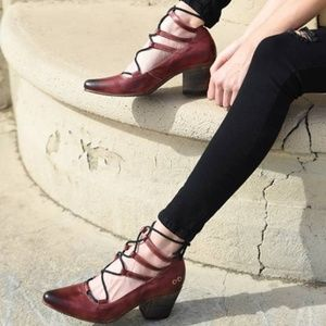 NWT Bed Stu Turalyon Burgundy Lace Up Pumps
